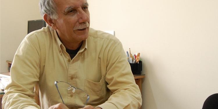 Santiago Pedraglio es periodista, sociólogo y analista político. Actualmente es docente en la Pontificia Universidad Católica del Perú.