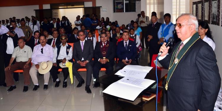 Rector de la Universidad Católica de Santa María, Dr. Manuel Briceño Ortega, en discurso de agradecimiento por la cesión del terreno.