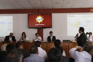 El ministro de Vivienda, Construcción y Saneamiento, Edmer Trujillo, ofreció el apoyo del Gobierno para fortalecer a Sedapar.