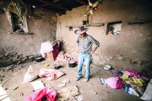 Lucio Samayani Cáceres (72) lo perdió todo en el sismo de agosto.
