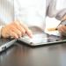Cada entidad financiera tiene tarifas diferentes para el uso de este servicio.