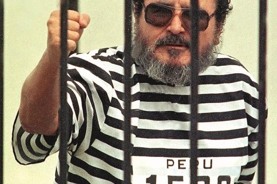 Abimael Guzmán lideró una maquinaria terrorista destinada a tomar el poder a través de  las armas. Unas 35 000 personas fueron asesinadas o desaparecidas.