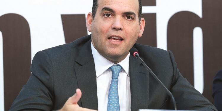 Según el Ministerio de Economía y Finanzas, los problemas de  saneamiento de terrenos han paralizado US$ 6 250 millones en obras.