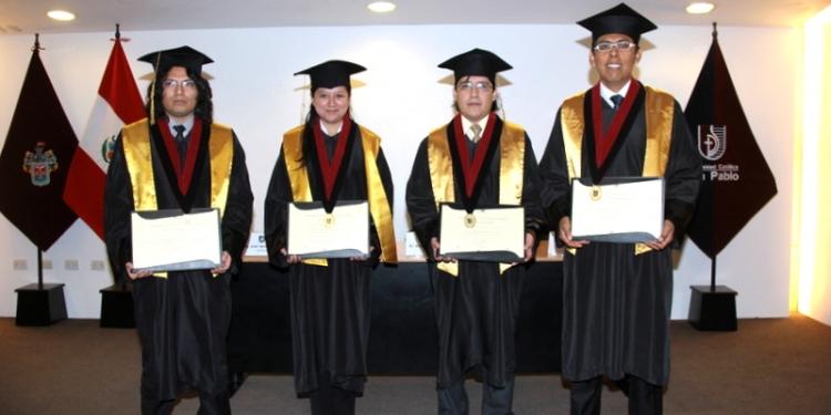 Graduados también realizaron pasantías y asistieron a conferencias internacionales.