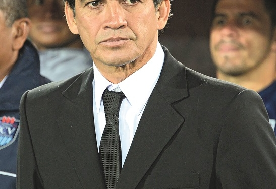 Franco Enrique Navarro Monteyro integró la selección peruana de fútbol en el Mundial  de España 82. Jugó en clubes de Argentina, Colombia, México y Suiza, y ahora dirige  a la Universidad Técnica de Cajamarca (UTC).