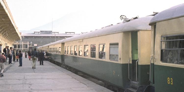 La puesta en funcionamiento del ferrocarril del sur fue un acontecimiento cultural determinante en la ciudad. Foto: 1971.