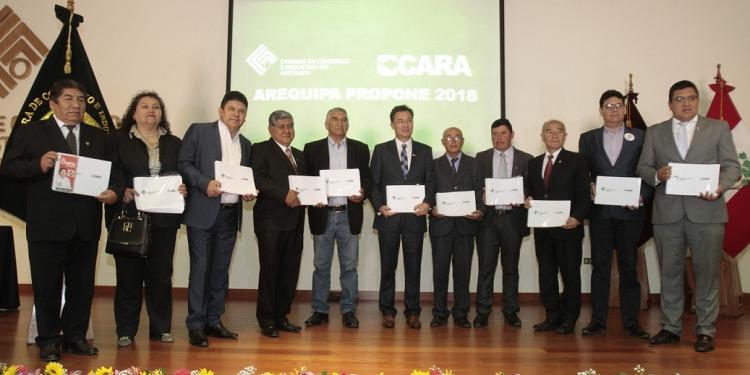 Solo 10 candidatos al Gobierno regional y 13 a la Municipalidad Provincial de Arequipa acudieron a la convocatoria de la Cámara de Comercio e Industria de Arequipa y el CARA.