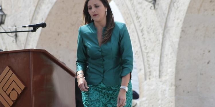 A cuatro meses de culminar su gestión, Yamila Osorio tiene dificultades para destrabar Majes II.