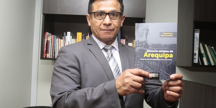 El libro tiene 306 páginas y casi medio centenar de imágenes relacionadas con distintas etapas y acontecimientos de Arequipa.