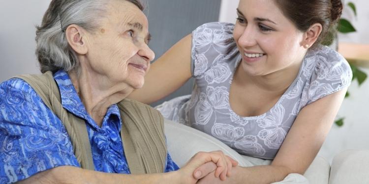El adulto mayor es una persona que enriquece los entornos en los que se desenvuelve.