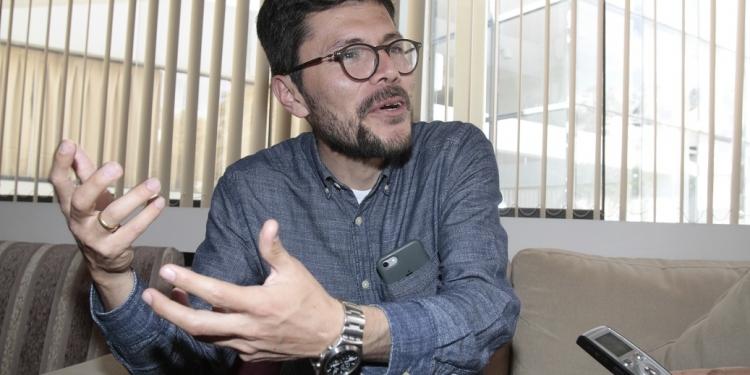 Gonzalo Banda Lazarte es profesor de Ciencia Política en la Universidad Católica San Pablo.