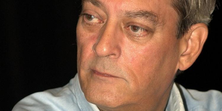 Paul Auster fue nombrado Caballero de la Orden de las Artes y las Letras de Francia en 1992 y recibió el Premio Príncipe de Asturias de las Letras en el 2006.