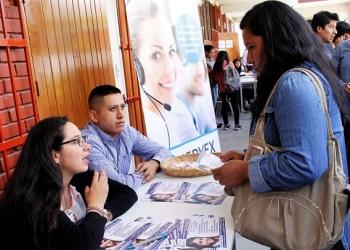 Jóvenes accedieron a información referente a oportunidades laborales.