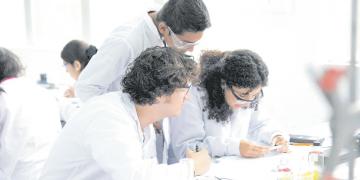 La ley es un avance, pero aún está pendiente una política de Estado que aliente la investigación científica en el país.