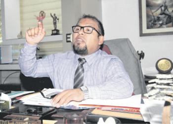 Ya van cinco meses de gestión y el alcalde provincial, Omar Candia, aún no puede emprender un cambio en el transporte urbano.