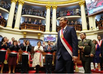 Para Urviola Hani, el presidente, Martín Vizcarra, debe ser más responsable y decirle a la población lo que no se puede hacer, por el bien del país.