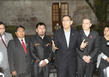 Martín Vizcarra llegó a Arequipa, pero no pudo resolver el conflicto que persiste en la provincia de Islay.