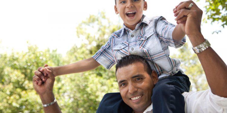 Un hijo no es posesión nuestra, hay que aprender a amarlo con libertad y desprendimiento.