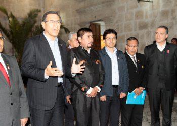Martín Vizcarra se reunió el 24 de julio con el gobernador Elmer Cáceres y los alcaldes de Islay.