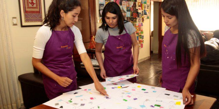 Anaisa, Linsy y Nickole son las especialistas y, a la vez, las mediadoras de este proyecto social.