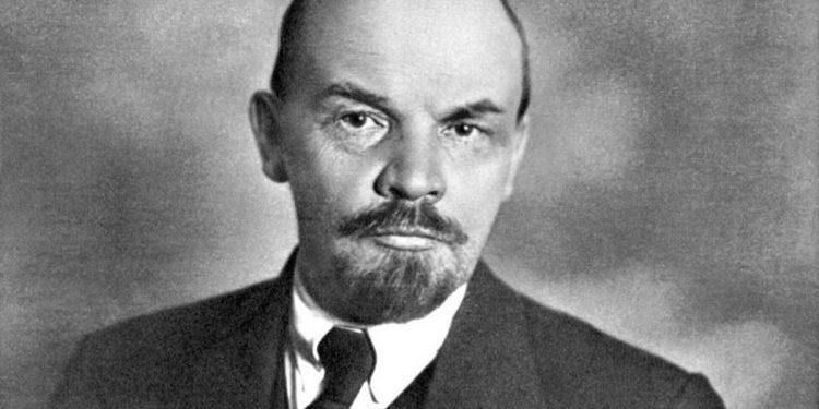 La burocracia, el culto a la estadística inhumana y la obsesión por el control fueron características propias de Lenin.