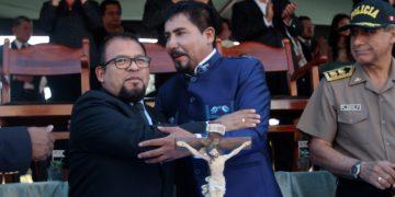 Para la autoridad universitaria, tanto Omar Candia como Elmer Cáceres aún no cumplen con el encargo de gobernar la provincia y la región Arequipa.