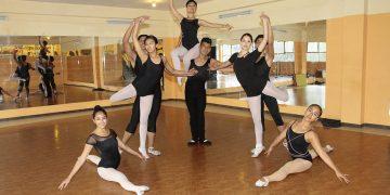 Uno de los talleres más importantes en la escuela es el ballet, este les ayuda a los bailarines a interpretar con facilidad cualquier otro género musical.