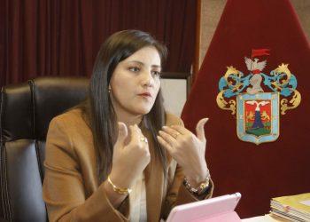 Yamila Osorio Delgado, es abogada, fue consejera regional por Camaná (2011-2014) y gobernadora regional de Arequipa (2015-2018).