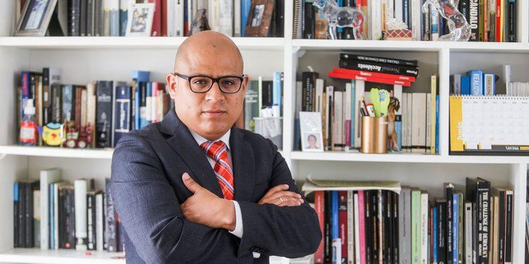 José Carlos Requena, es socio de la consultora 50+1. Fue asesor político en Embajada de Estados Unidos y consultor de IDEA, PNUD, Centro Carter y del Banco Mundial.