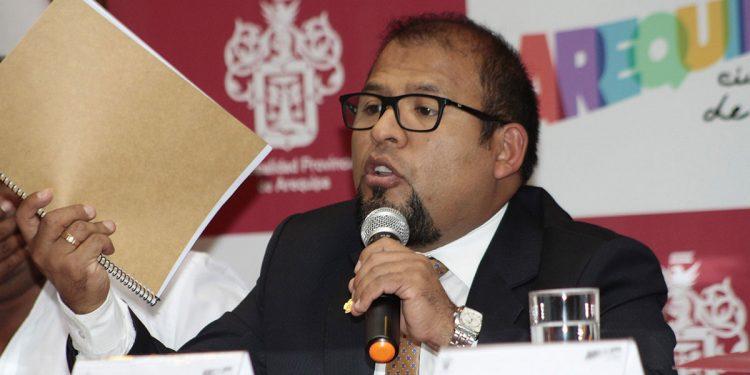 El alcalde provincial, Omar Candia, dijo que evaluarán nueva propuesta de tren eléctrico.