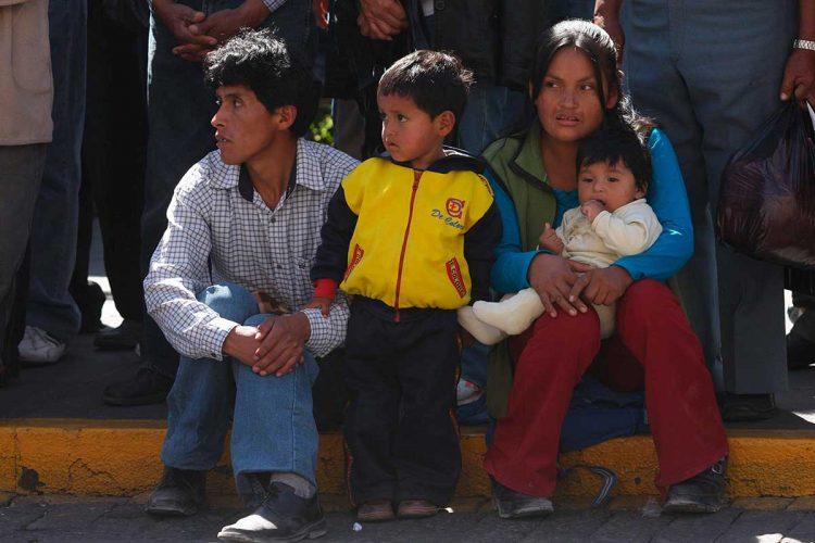 Gobierno brindará asistencia económica a familias más vulnerables.