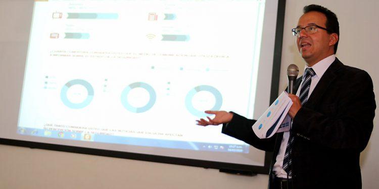 Carlos Timaná, director del Centro de Gobierno José Luis Bustamante, presentó los resultados de reciente investigación.