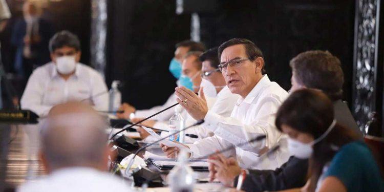 Martín Vizcarra espera lograr una decisión consensuada respecto a las medidas de confinamiento.