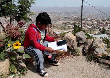 A dos meses del inicio del año escolar, las clases remotas no tienen el éxito esperado.