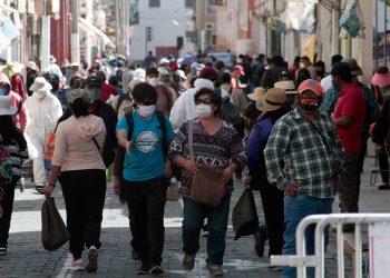 En los últimos días el descontrol masivo se apoderó de la ciudad, mientras crece de forma alarmante el número de infectados y fallecidos por el COVID-19 en Arequipa.