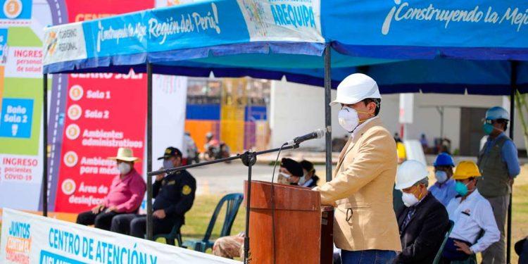 El gobernador regional, Elmer Cáceres, invocó a la unidad de los arequipeños para enfrentar al COVID-19.