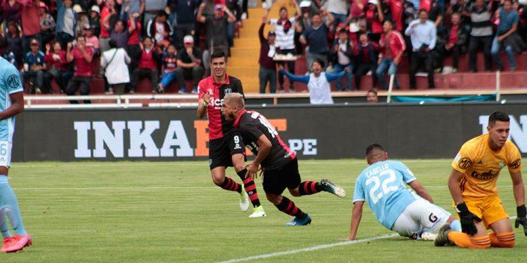 El fútbol volverá a los estadios pero sin público. El gobierno autorizó reinicio de la Liga 1.