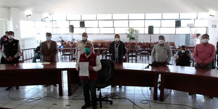 Los alcaldes de Arequipa hicieron un llamado de auxilio al Gobierno para superar la crisis económica que atraviesan sus instituciones.