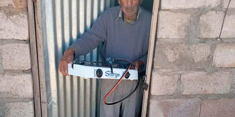 Los voluntarios siguen sumando esfuerzos para conseguir ayuda a los abuelitos.