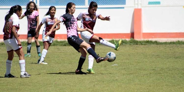 La pandemia y falta de decisión de la FPF truncó el desarrollo del fútbol femenino.