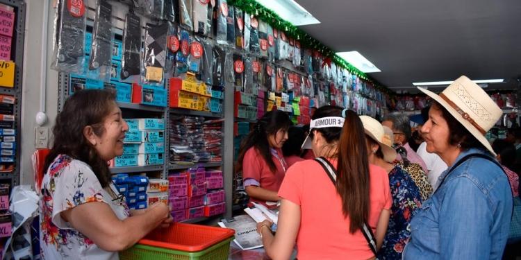 Antes Elsa Ardiles, atendía desde la caja de la tienda ubicada en la calle Piérola en el Cercado de Arequipa.