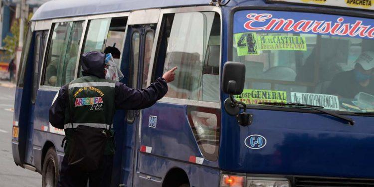 Unidades de transporte público serán insuficientes para atender la creciente demanda de pasajeros con el fin de la cuarentena en Arequipa.