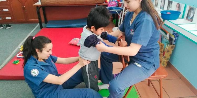 Su vocación es ayudar a los pacientes a recuperarse.