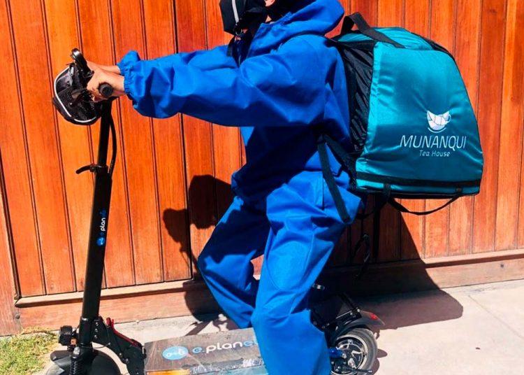 Para el reparto de sus productos usaron scooters eléctricos.