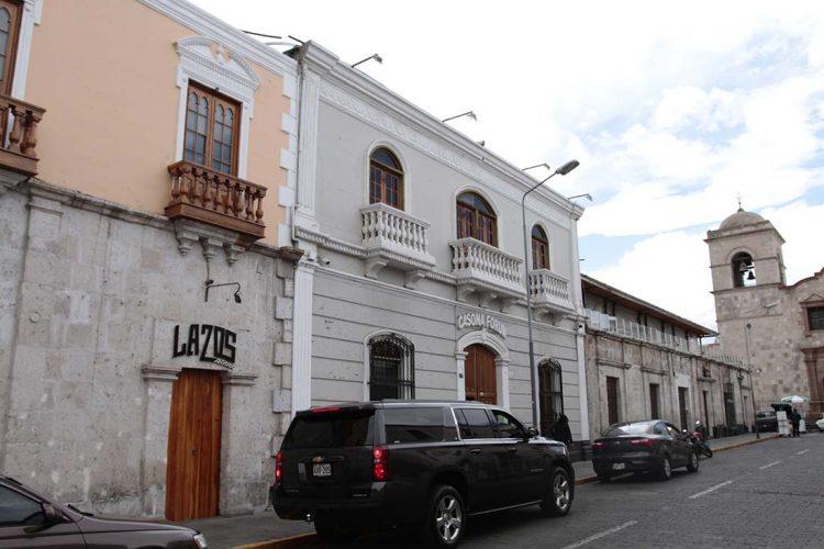 El reordenamiento de actividades en el Centro Histórico de Arequipa ayudará a preservar su patrimonio arquitectónico.