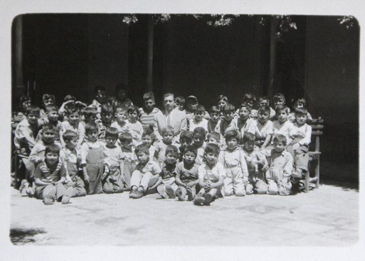 Para sus primeras clases (en Punta de Bombón) don Everardo tuvo que juntar a los niños que jugaban en la calle.