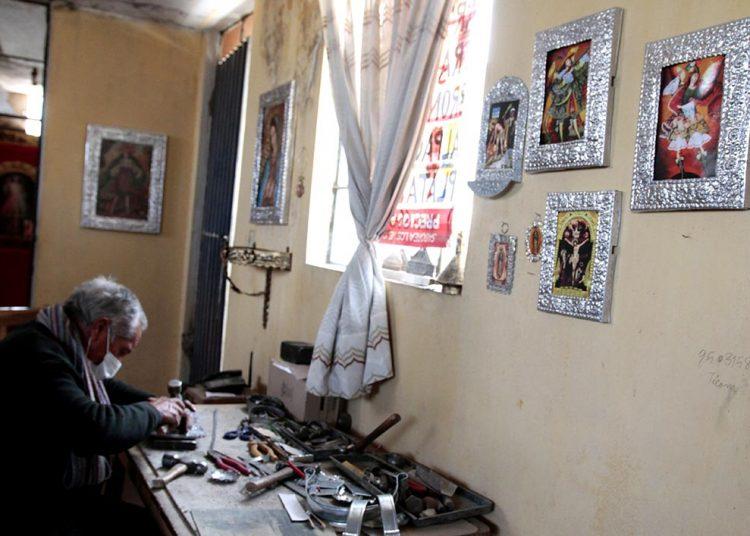 Actualmente su taller es parte también de su habitación en Villa Paraíso.