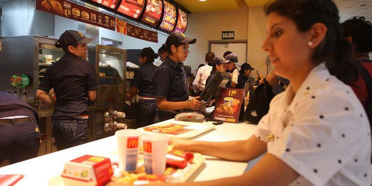 El sector servicios emplea al 60% de la población latinoaméricana.