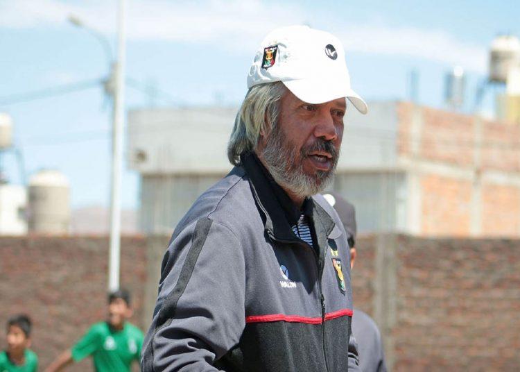 El exfutbolista era el jefe de la Unidad Técnica de Menores del FBC Melgar y asumió la dirección del primer equipo hasta fin de año.