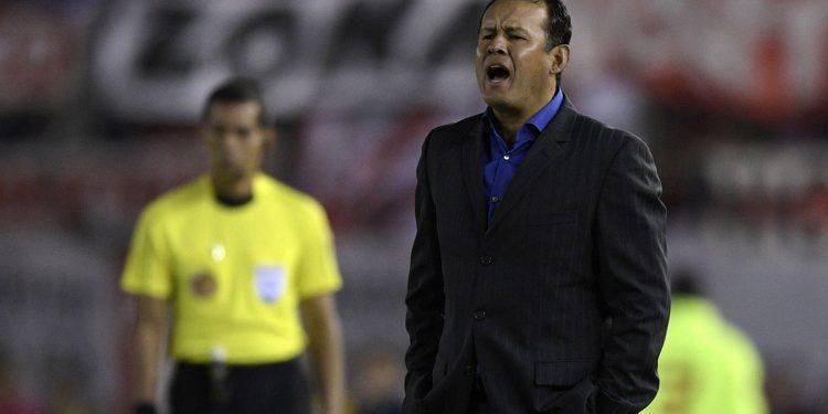 Juan Máximo Reynoso fue el último entrenador peruano en sacar campeón al Melgar en 2015.